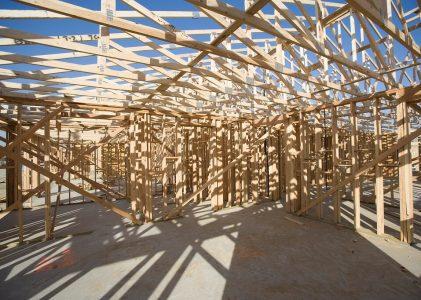 Avantages et inconvénients de l'auto-construction d'une maison individuelle